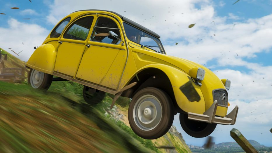 FH4-Best-of-Bond-Citroen-2CV6-Leap.jpg